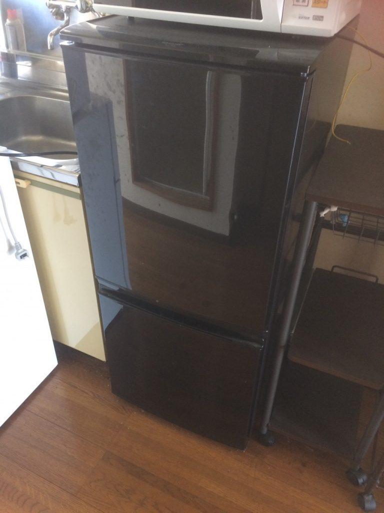 冷蔵庫とベッドの回収