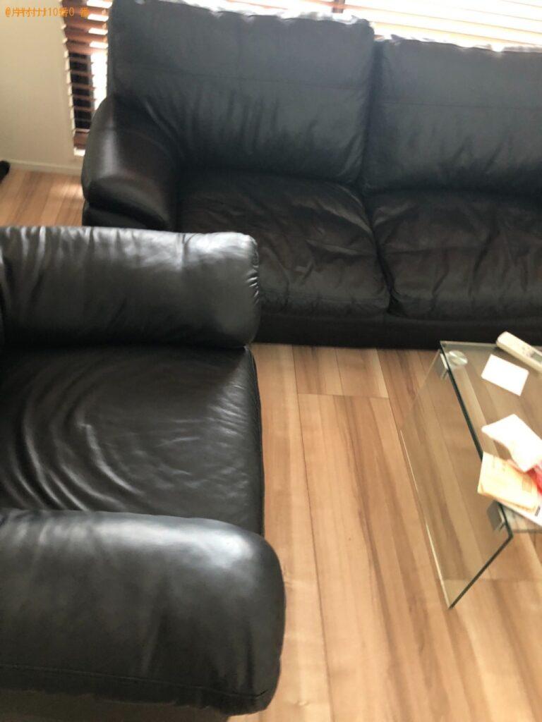 三人掛けソファー、一人掛けソファー、健康器具の回収